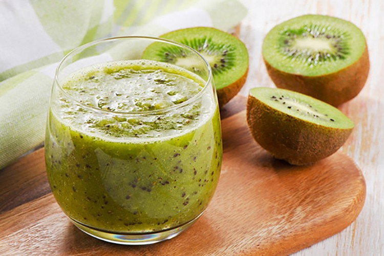 5 Delicious Green Smoothies Made with Simple Ingredients